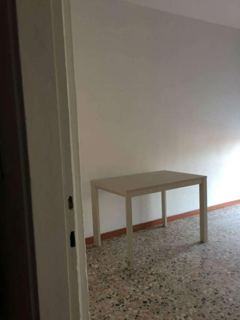 Bilocale Cinisello Balsamo Via Gran Sasso 8