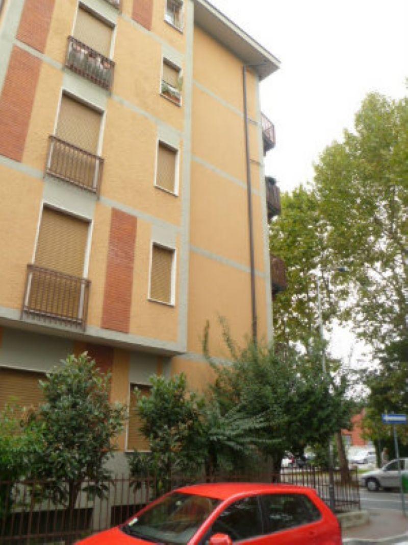 Bilocale Cinisello Balsamo Via Gran Sasso 1