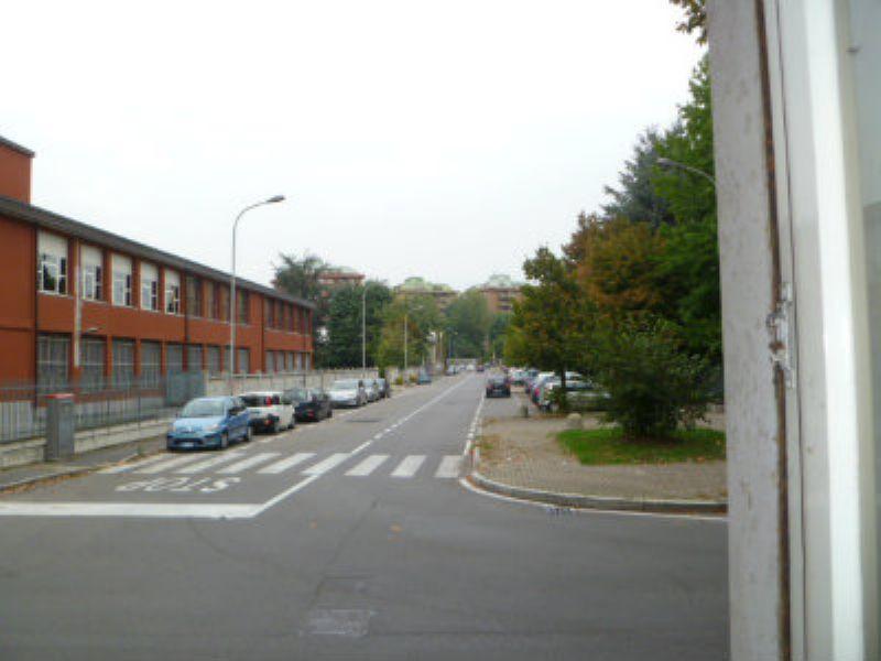 Bilocale Cinisello Balsamo Via Gran Sasso 9