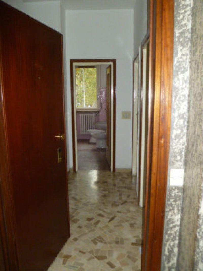 Bilocale Cinisello Balsamo Via Gran Sasso 13