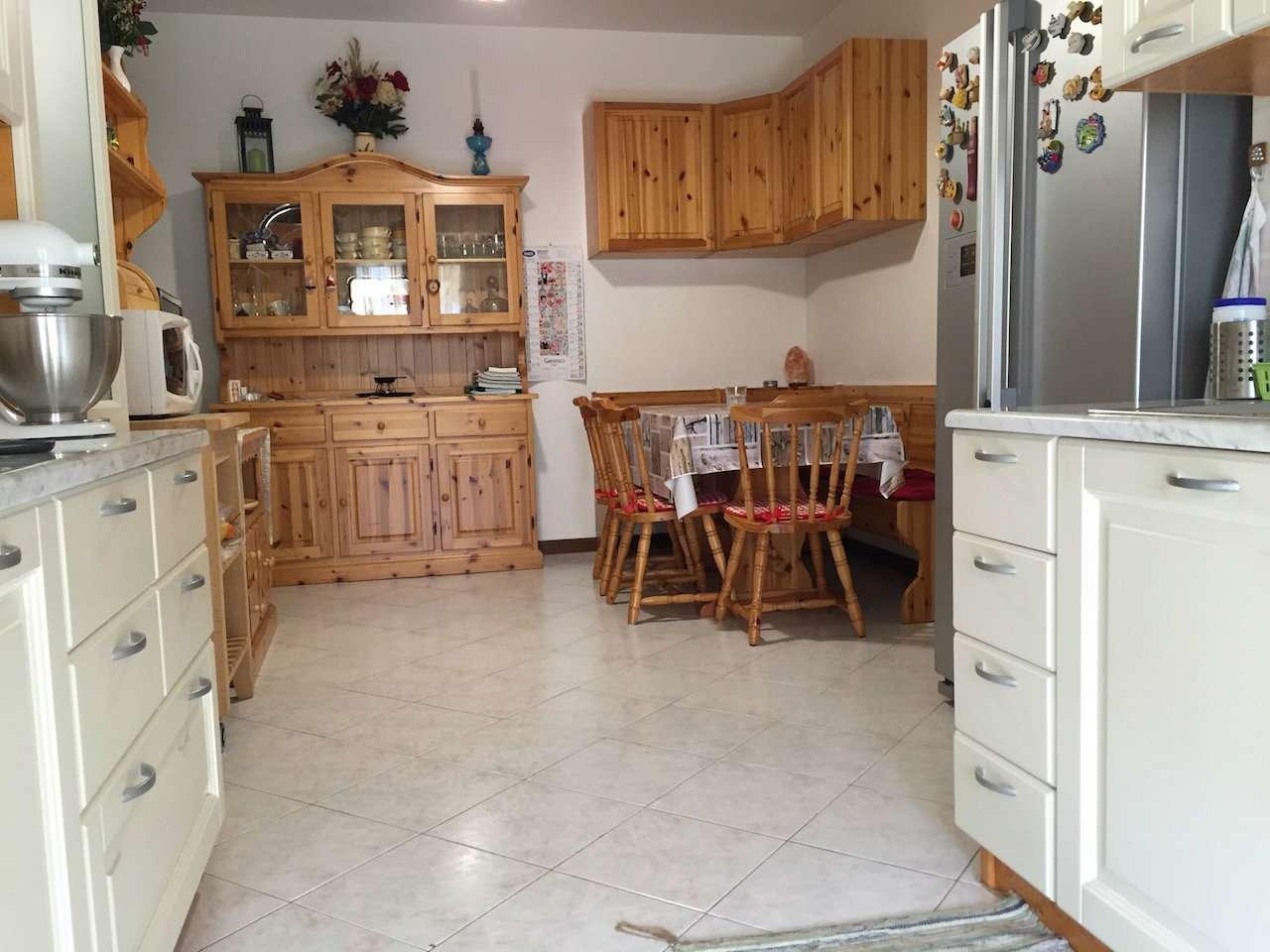 Appartamento in vendita a Casarza Ligure, 3 locali, prezzo € 230.000 | Cambio Casa.it