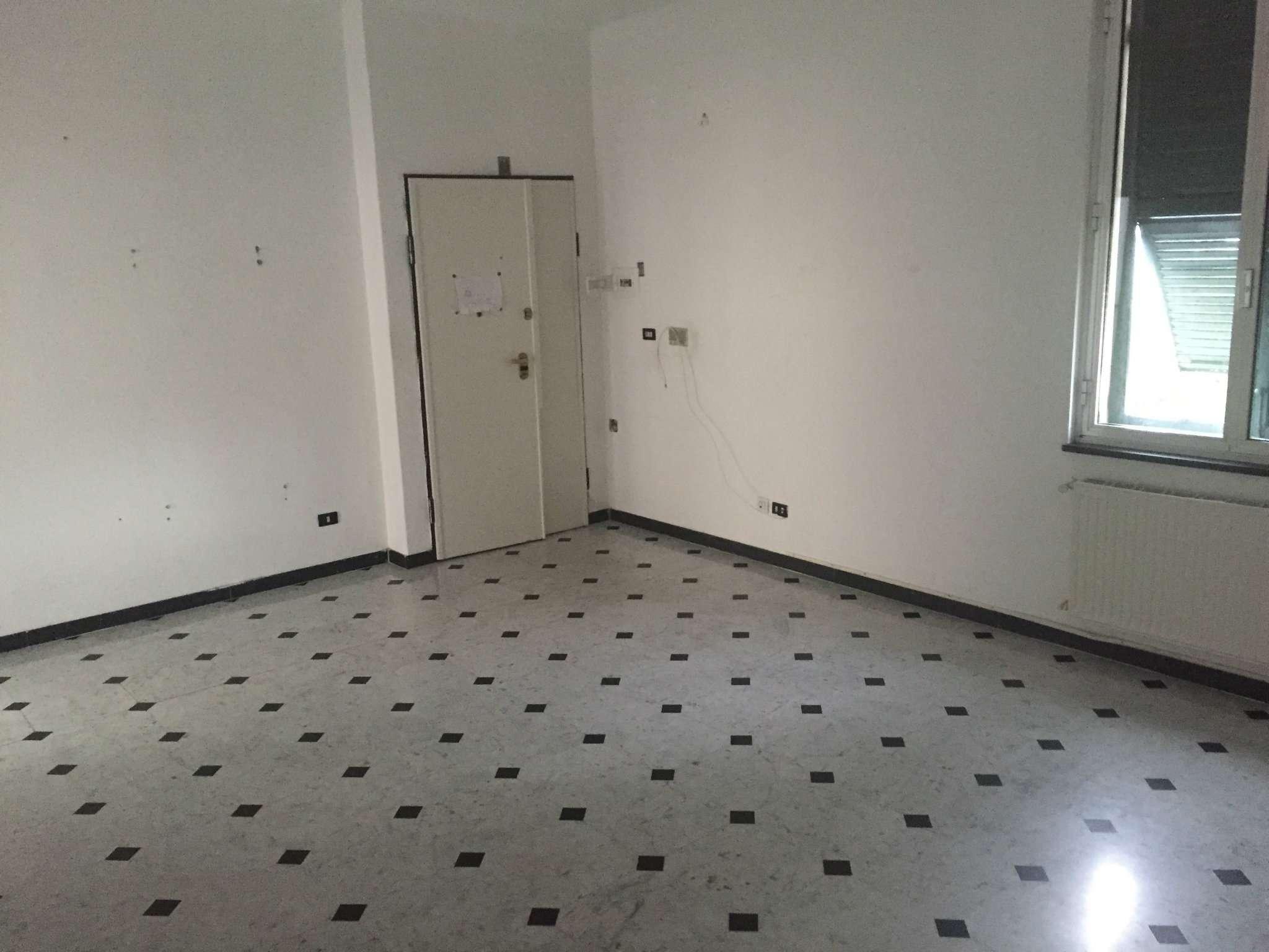 Appartamento in affitto a Chiavari, 4 locali, prezzo € 600 | CambioCasa.it