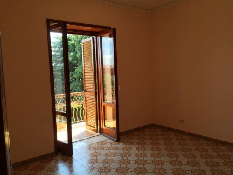 Appartamento in affitto a Giugliano in Campania, 1 locali, prezzo € 380 | Cambio Casa.it