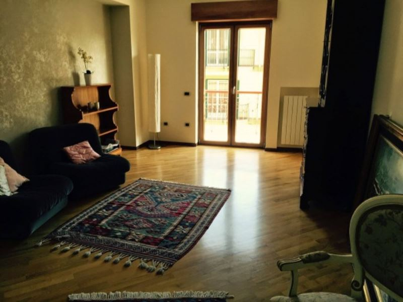 Appartamento in vendita a Giugliano in Campania, 3 locali, prezzo € 230.000   Cambio Casa.it