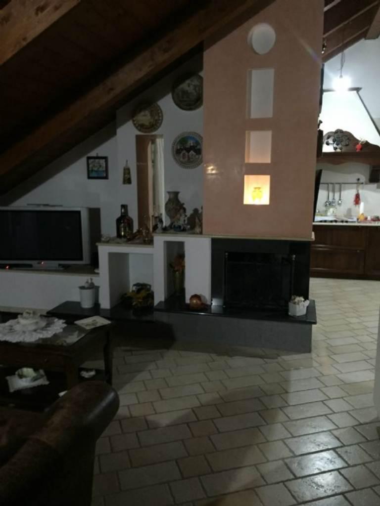 Appartamento in vendita a Giugliano in Campania, 4 locali, prezzo € 230.000 | Cambio Casa.it