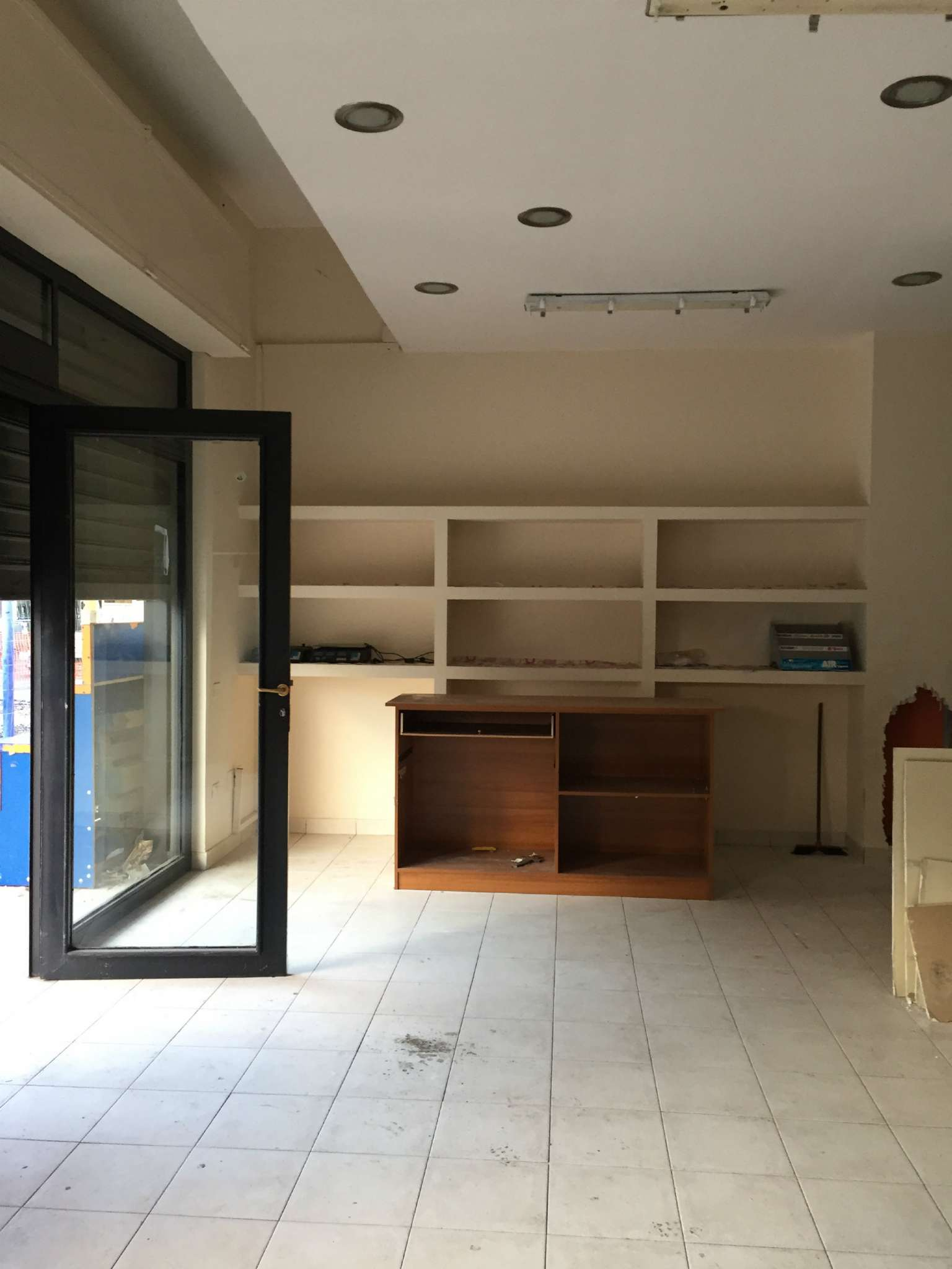 Negozio / Locale in affitto a Giugliano in Campania, 1 locali, prezzo € 900 | CambioCasa.it