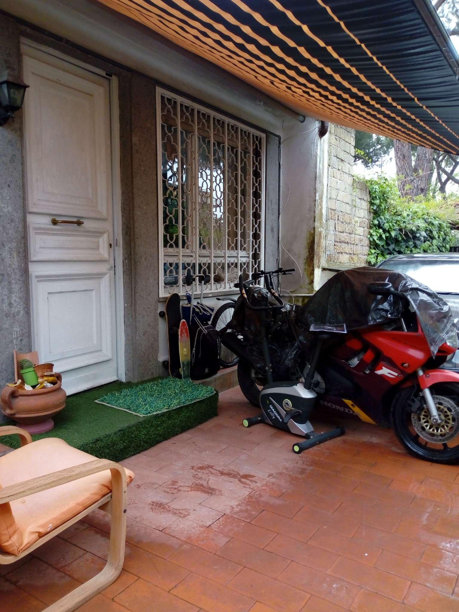 Villetta in vendita 5 vani 130 mq.  via VIA ARCHELAO DI MILETO 30 Roma