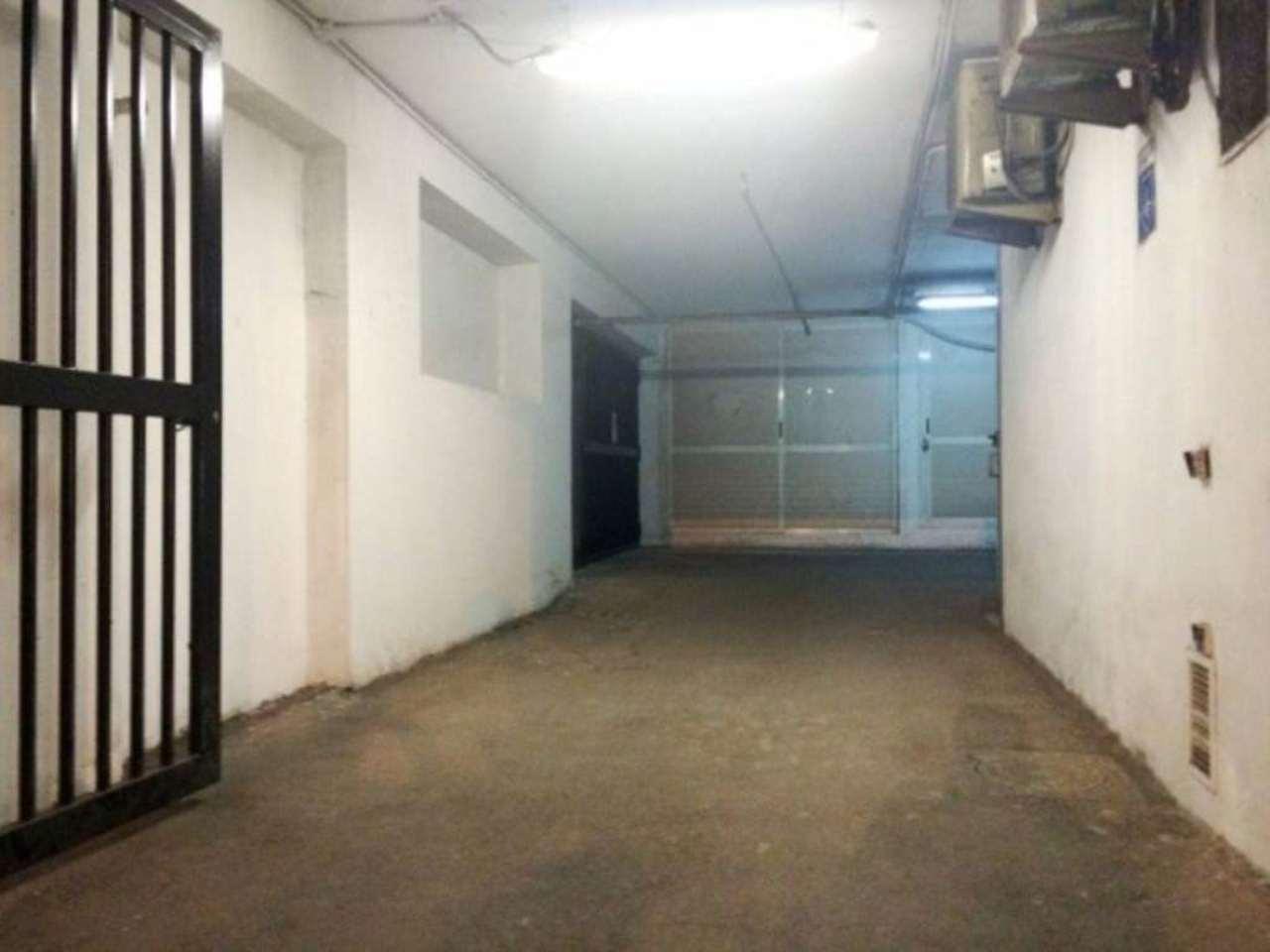 Box / Garage in vendita a Napoli, 2 locali, zona Zona: 4 . San Lorenzo, Vicaria, Poggioreale, Zona Industriale, Centro Direzionale, prezzo € 33.000 | Cambio Casa.it