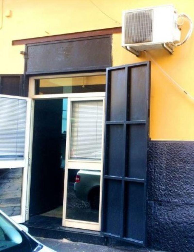 Negozio / Locale in vendita a Napoli, 1 locali, zona Zona: 4 . San Lorenzo, Vicaria, Poggioreale, Zona Industriale, Centro Direzionale, prezzo € 40.000 | Cambio Casa.it
