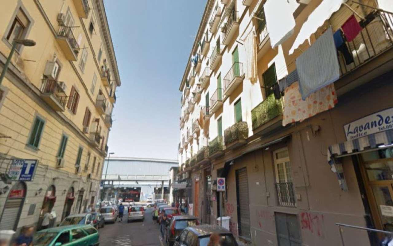 Appartamento in vendita a Napoli, 3 locali, zona Zona: 3 . San Carlo all'Arena, Stella, Capodimonte, Colli Arinei, prezzo € 80.000 | Cambio Casa.it