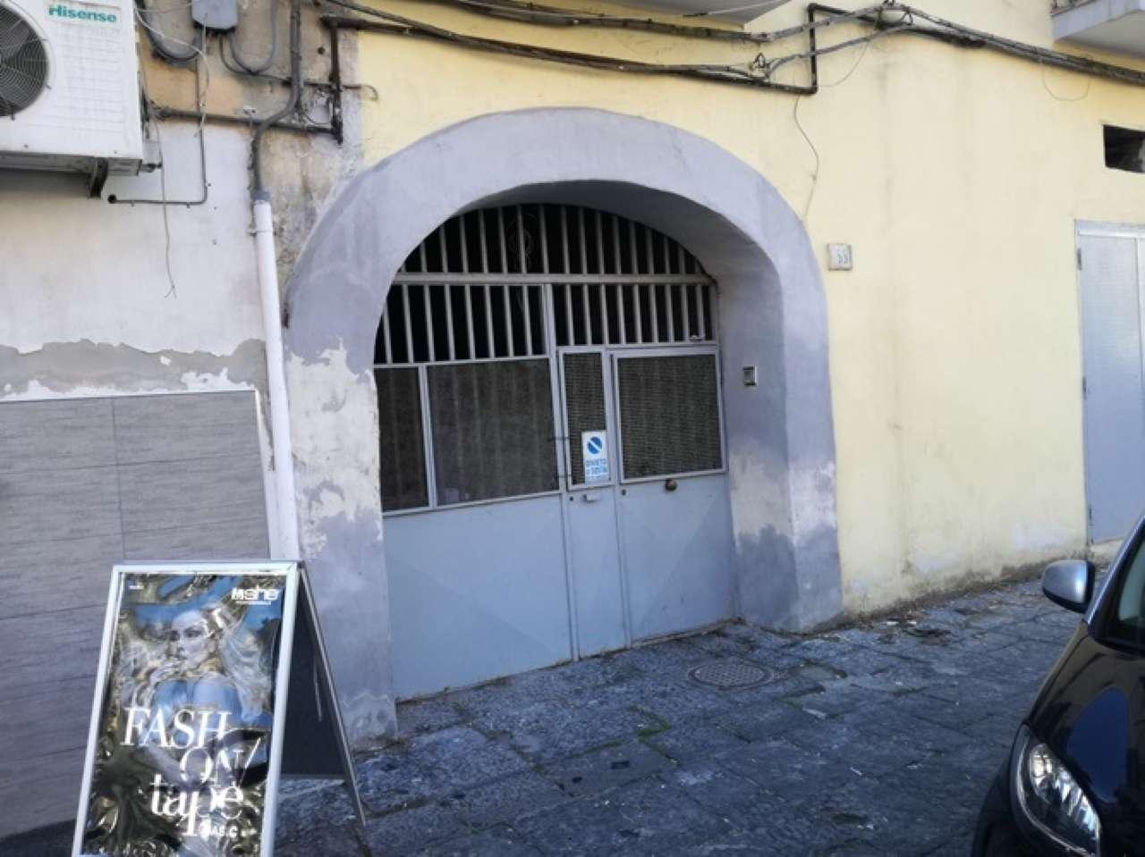 Appartamento in vendita 10 vani 500 mq.  via DEL CASSANO Napoli