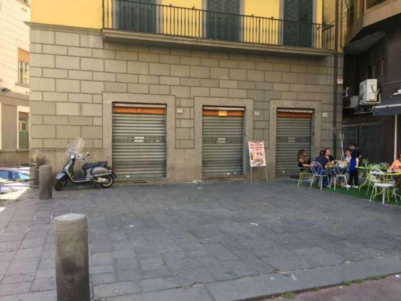 Negozio / Locale in affitto a Napoli, 3 locali, zona Zona: 2 . Mercato, Pendino, Avvocata, Montecalvario, Porto, S.Giuseppe, Centro Storico, prezzo € 2.500 | Cambio Casa.it