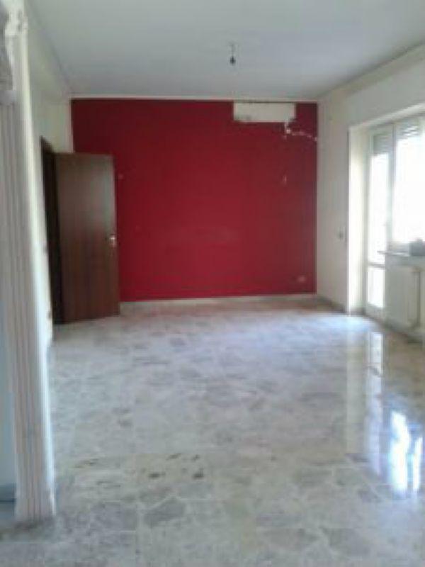 Appartamento in vendita a Napoli, 5 locali, zona Zona: 9 . Soccavo, Pianura, prezzo € 490.000   Cambio Casa.it