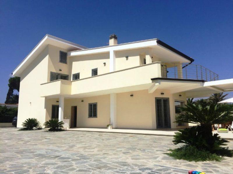 Villa in vendita a Terracina, 6 locali, prezzo € 1.500.000 | Cambio Casa.it