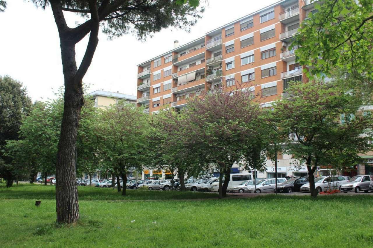 Stanza - Camera in Affitto  zona Ardeatino Rif.12390288