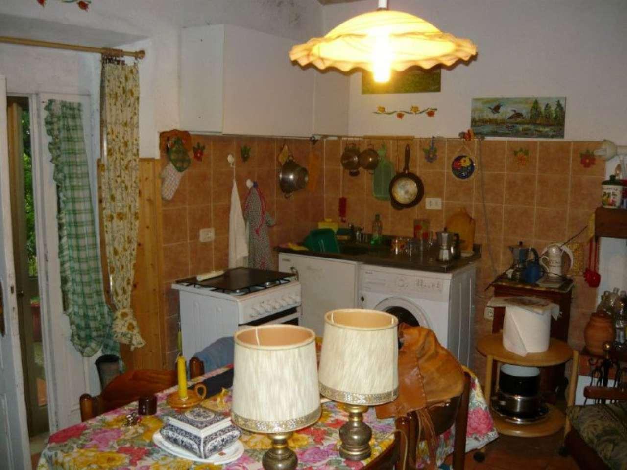 Appartamento in vendita a Scansano, 10 locali, prezzo € 130.000 | Cambio Casa.it