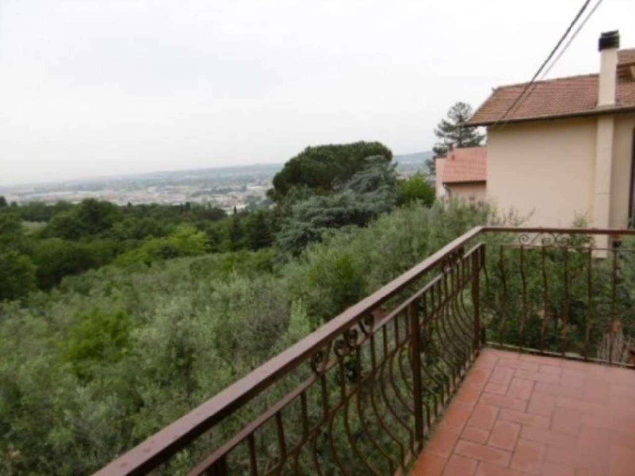 Villa in vendita a Montelupo Fiorentino, 10 locali, prezzo € 500.000 | Cambio Casa.it