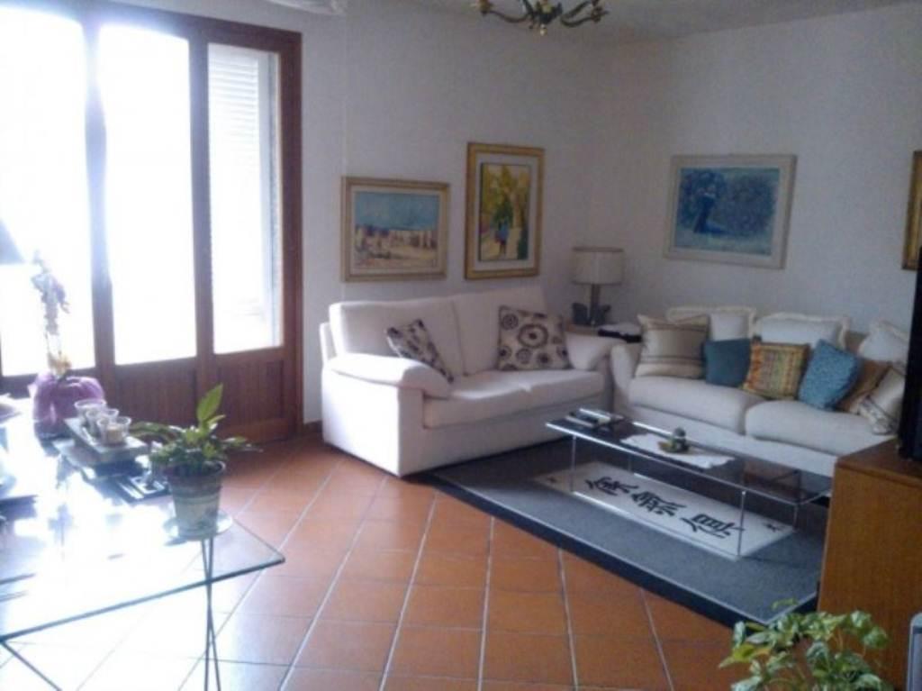 Villa in vendita a Capraia e Limite, 9 locali, prezzo € 395.000   Cambio Casa.it