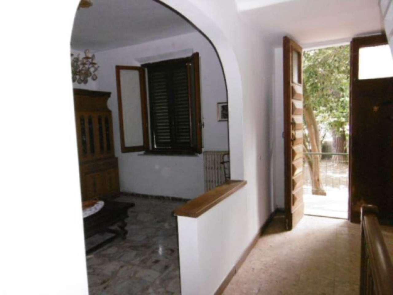 Palazzo / Stabile in vendita a Empoli, 5 locali, prezzo € 250.000   Cambio Casa.it