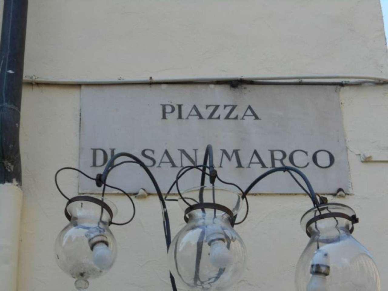 Negozio / Locale in affitto a Firenze, 2 locali, zona Zona: 12 . Duomo, Oltrarno, Centro Storico, Santa Croce, S. Spirito, Giardino di Boboli, prezzo € 2.800 | Cambio Casa.it