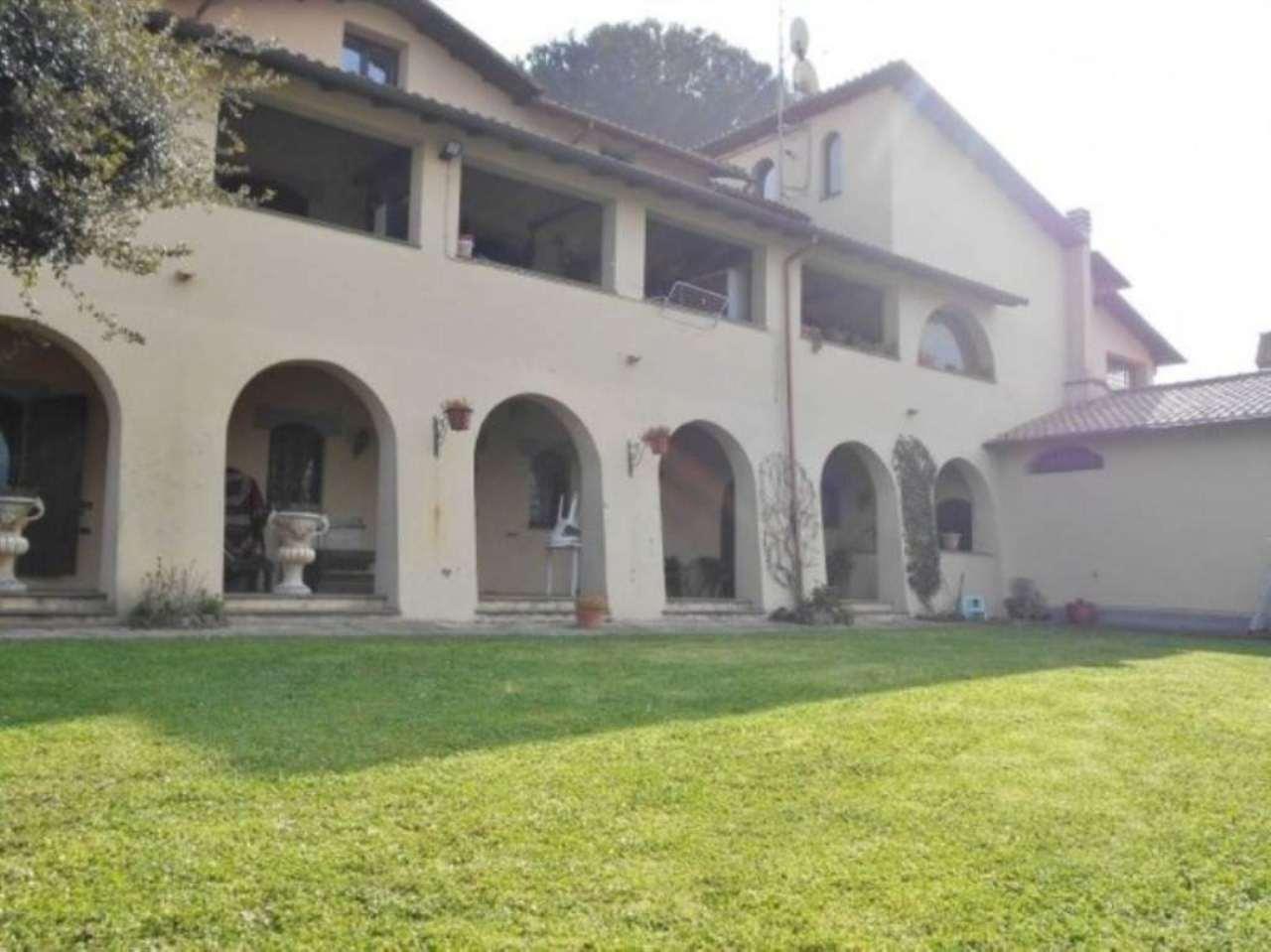 Villa in vendita a San Cesareo, 9 locali, Trattative riservate | Cambio Casa.it