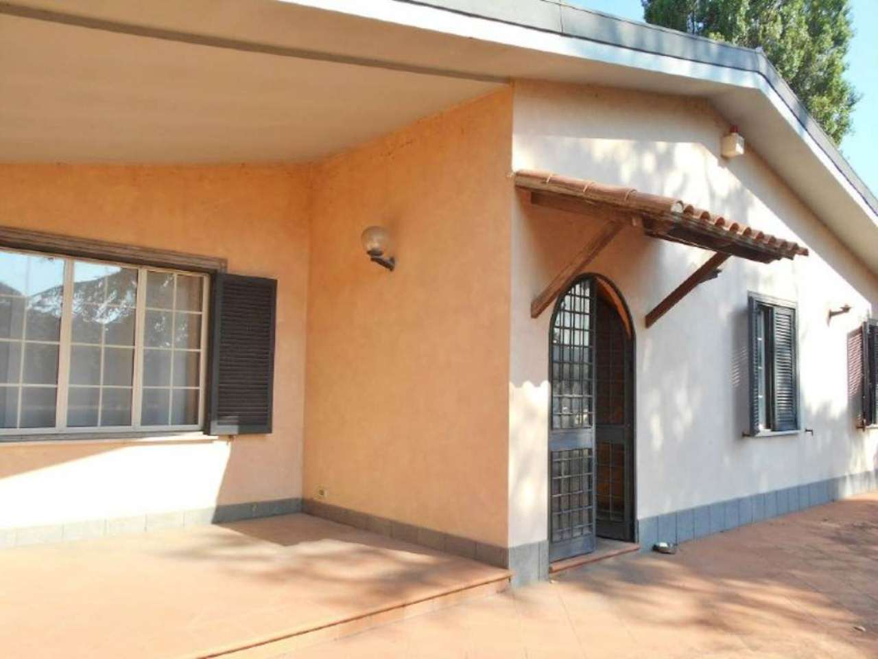 Villa in vendita a San Cesareo, 8 locali, prezzo € 349.000 | CambioCasa.it