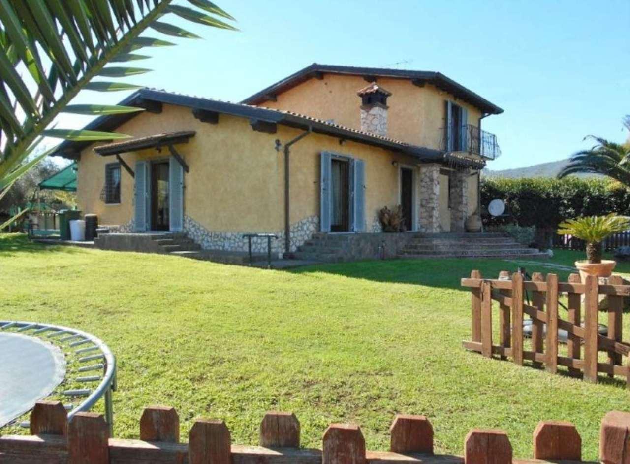 Villa in vendita a San Cesareo, 8 locali, prezzo € 329.000 | Cambio Casa.it