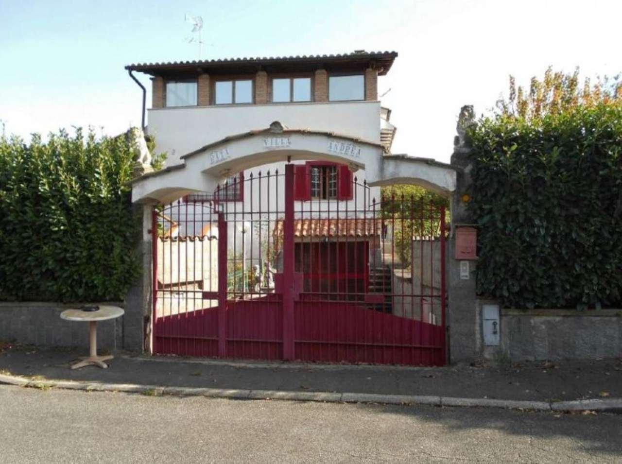 Villa in vendita a Labico, 7 locali, prezzo € 249.000 | Cambio Casa.it