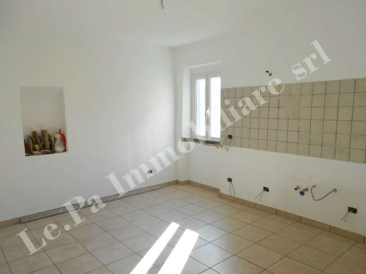 Appartamento in vendita a Labico, 5 locali, prezzo € 79.000 | Cambio Casa.it