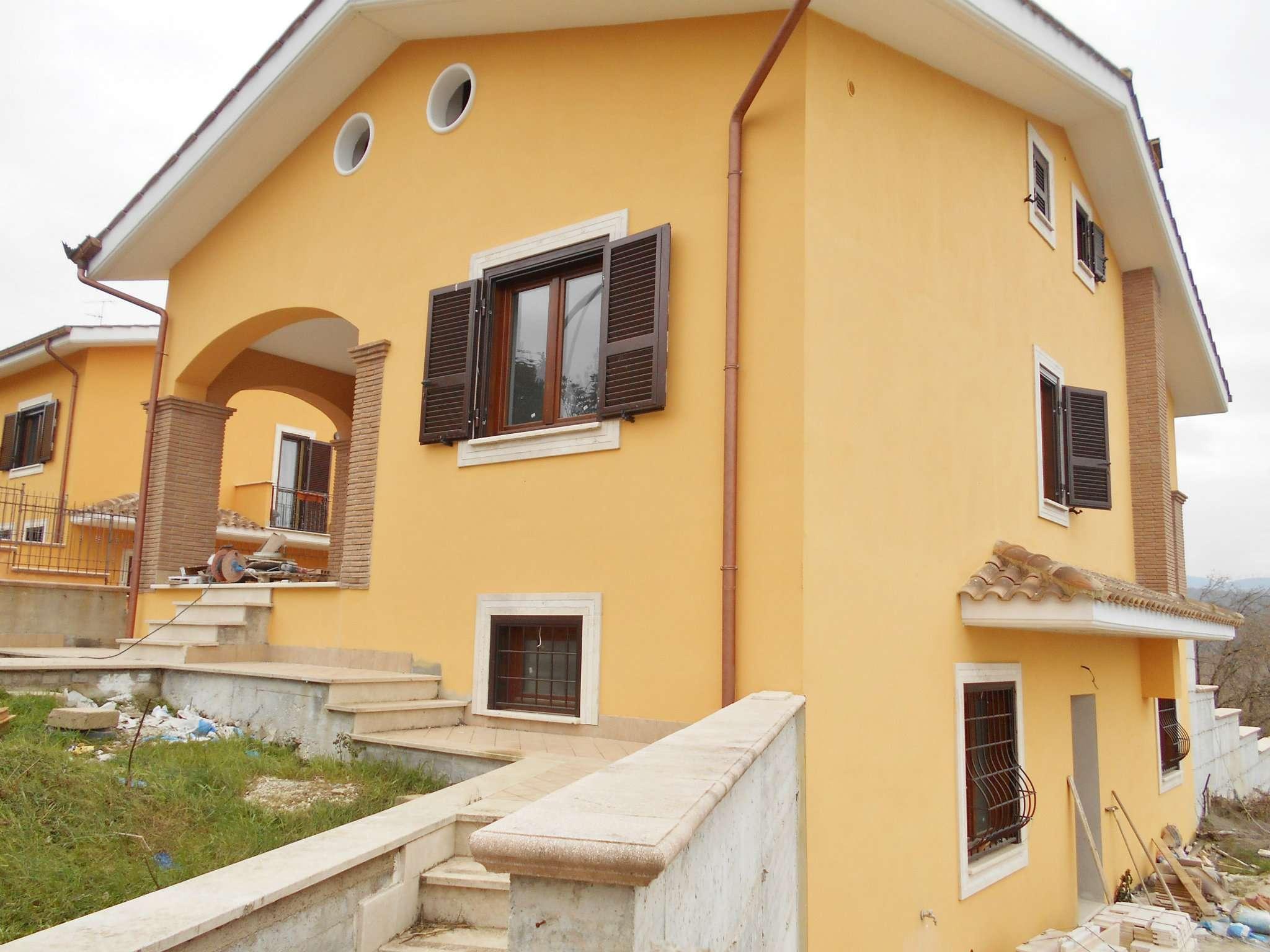 Villa in vendita a Labico, 6 locali, prezzo € 275.000 | Cambio Casa.it