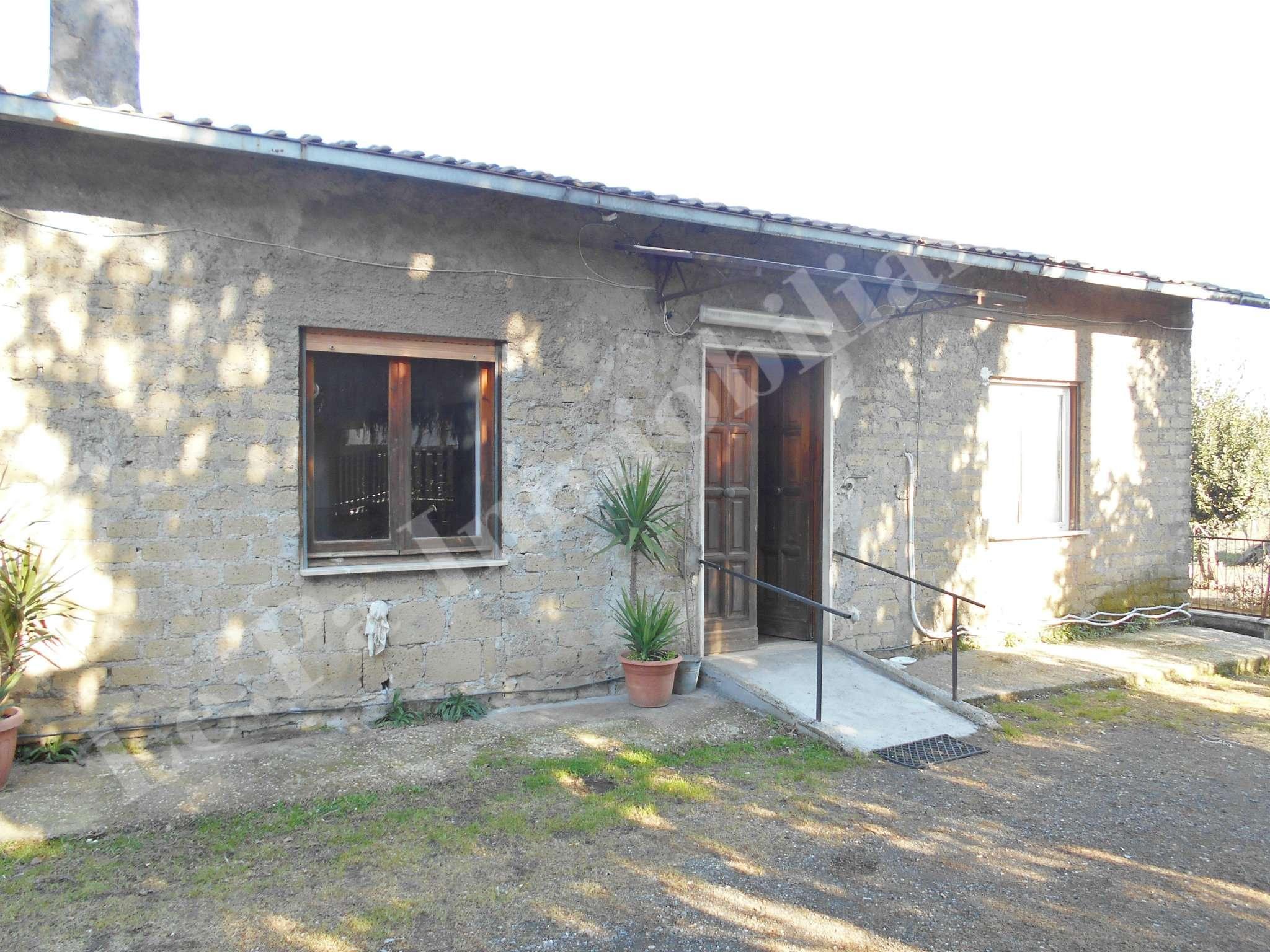 Villa in vendita a San Cesareo, 9 locali, prezzo € 225.000 | Cambio Casa.it