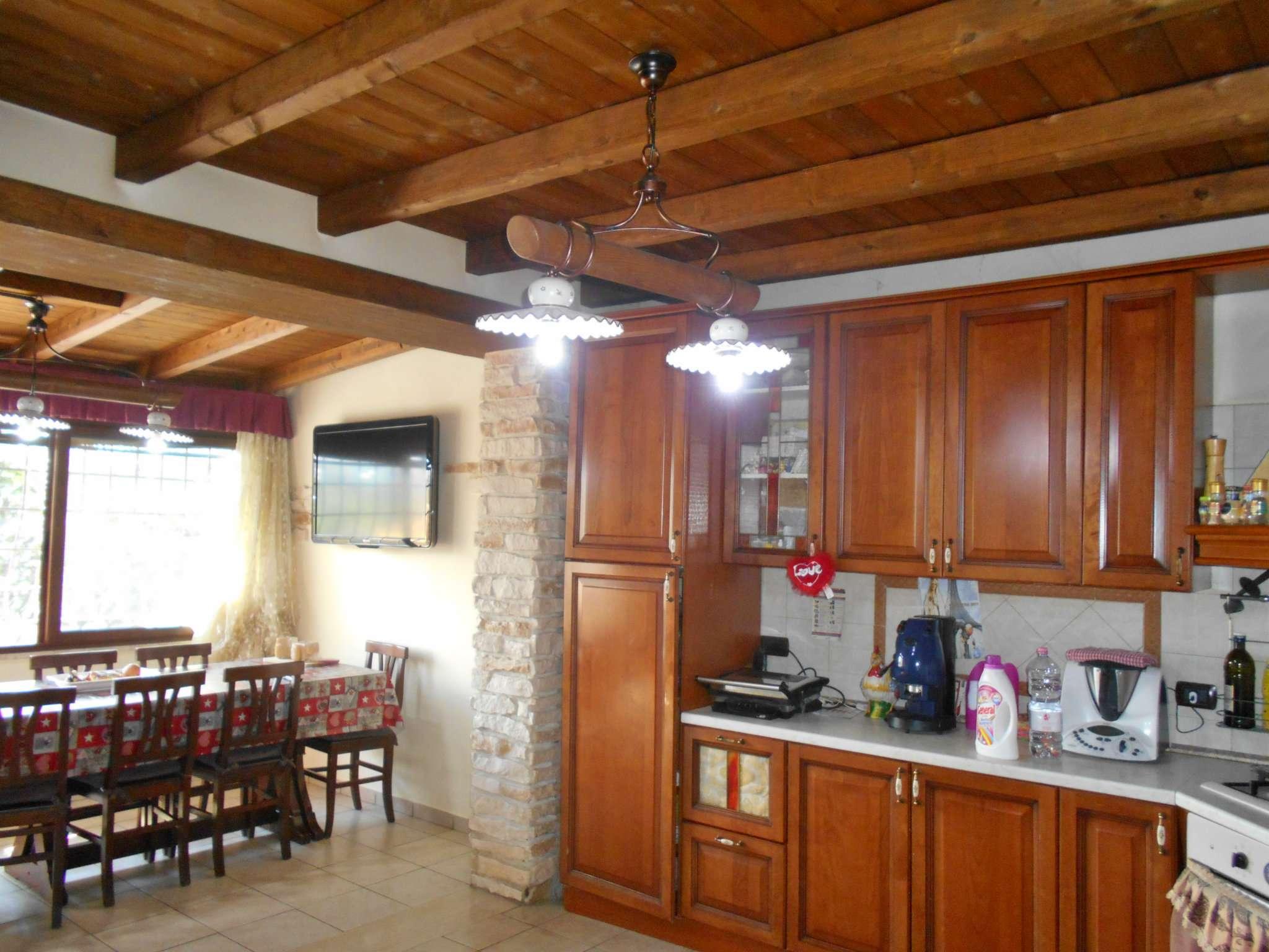Villa in vendita a San Cesareo, 6 locali, prezzo € 259.000 | CambioCasa.it