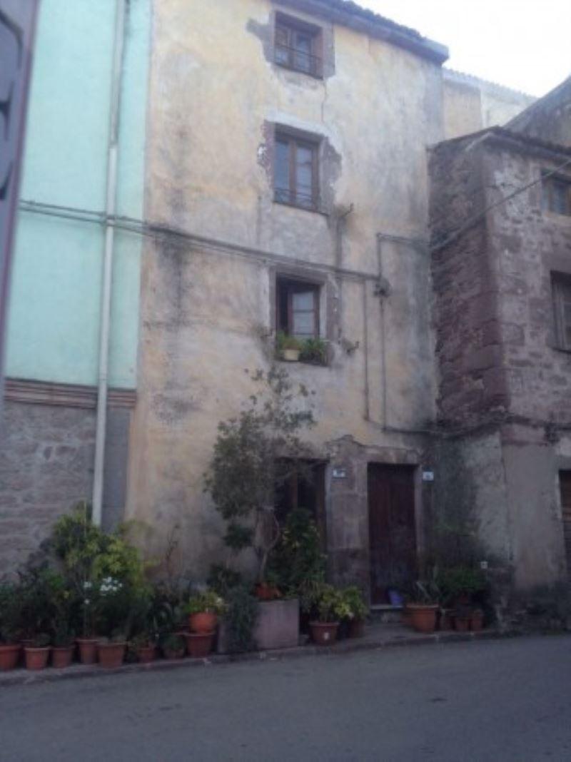 Palazzo / Stabile in vendita a Villanova Monteleone, 3 locali, prezzo € 7.500   Cambio Casa.it