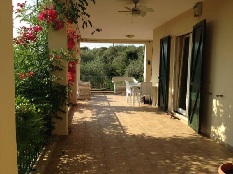 Villa in vendita a Alghero, 6 locali, prezzo € 750.000 | Cambio Casa.it