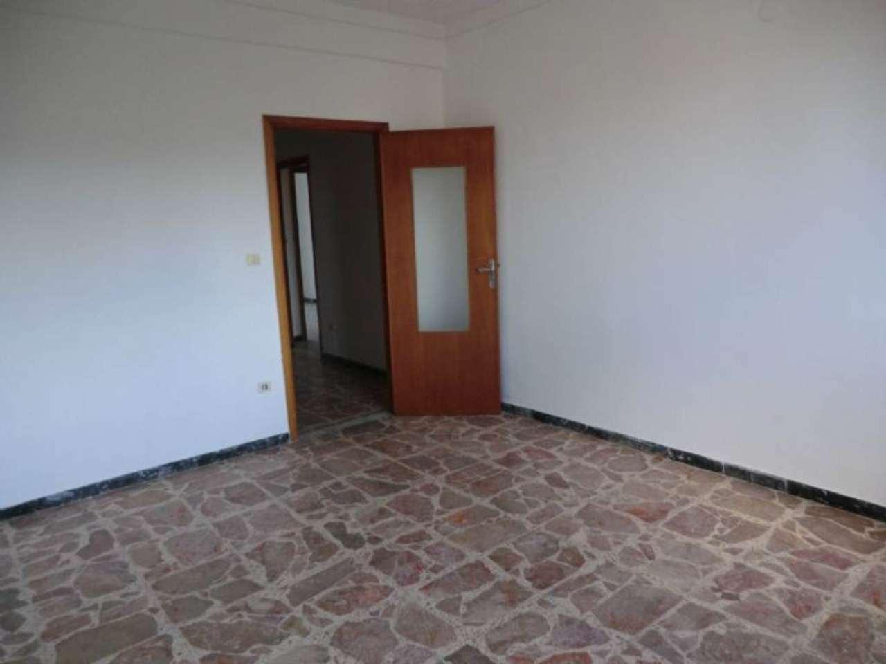 Appartamento in vendita a Sassari, 4 locali, prezzo € 130.000 | CambioCasa.it
