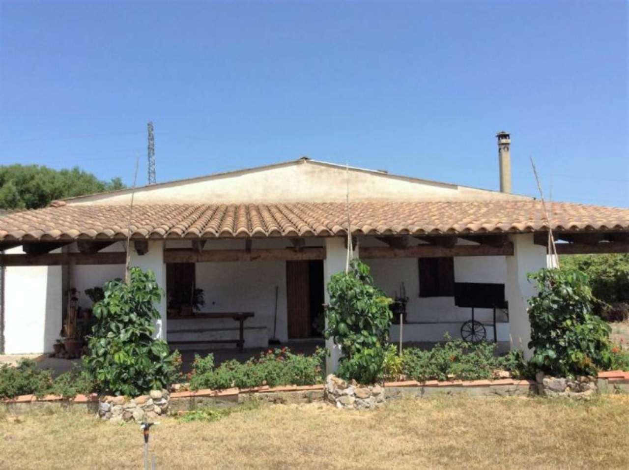 Palazzo / Stabile in vendita a Alghero, 6 locali, prezzo € 165.000 | Cambio Casa.it