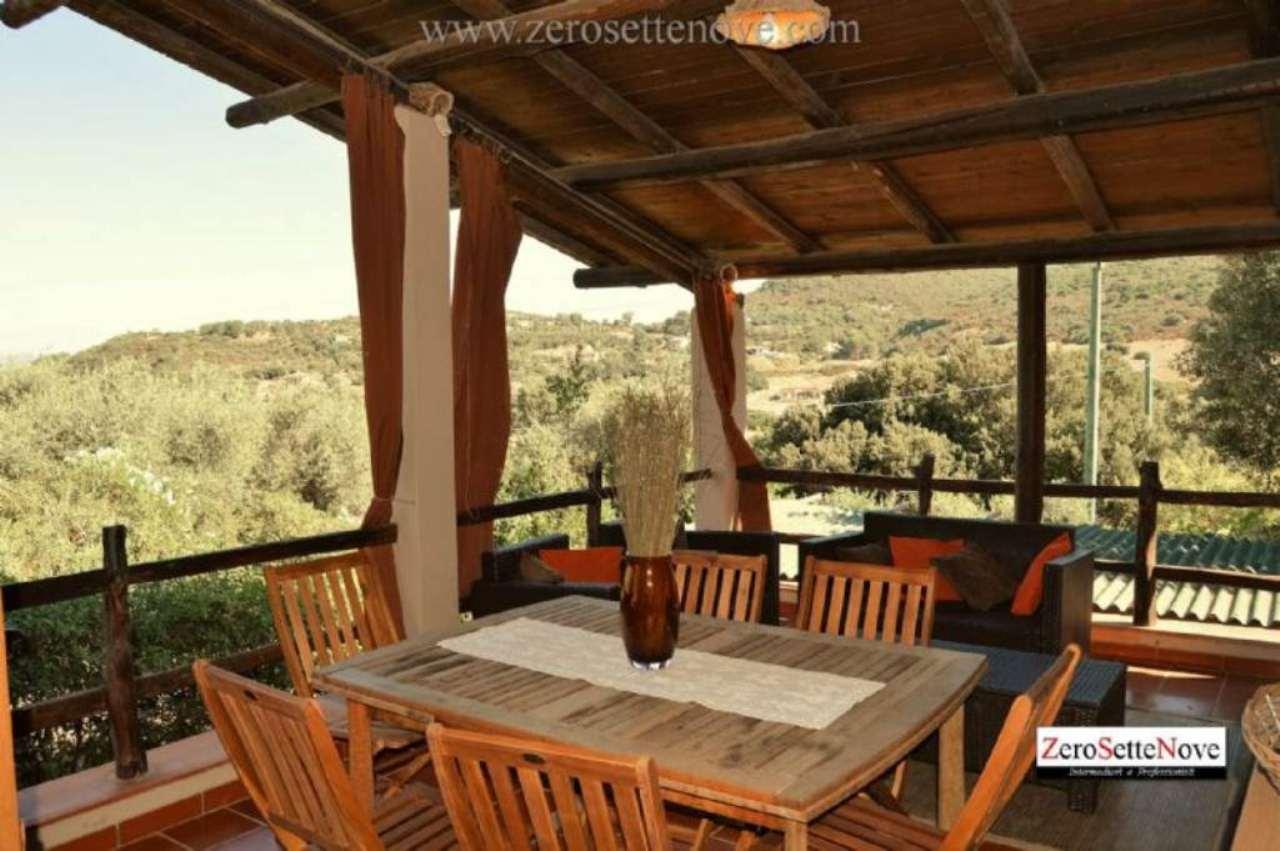Villa in vendita a Alghero, 5 locali, prezzo € 340.000 | Cambio Casa.it