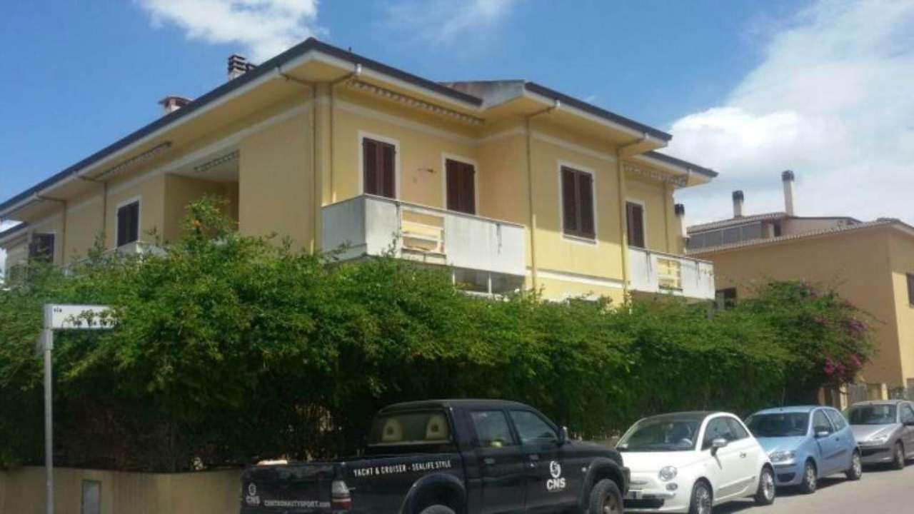 Appartamento in vendita a Alghero, 3 locali, prezzo € 65.000   Cambio Casa.it