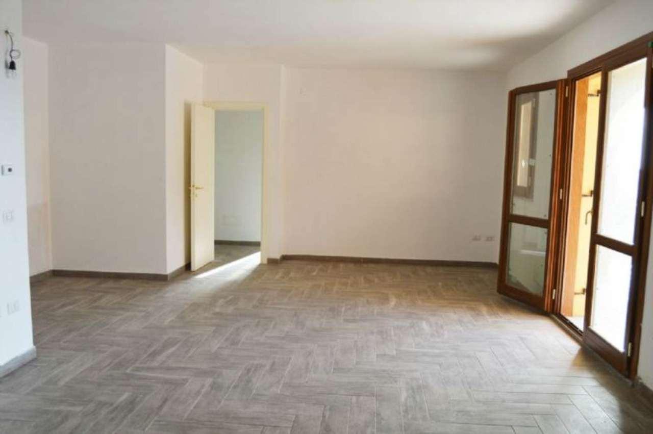 Appartamento in vendita a Sassari, 5 locali, prezzo € 175.000 | CambioCasa.it