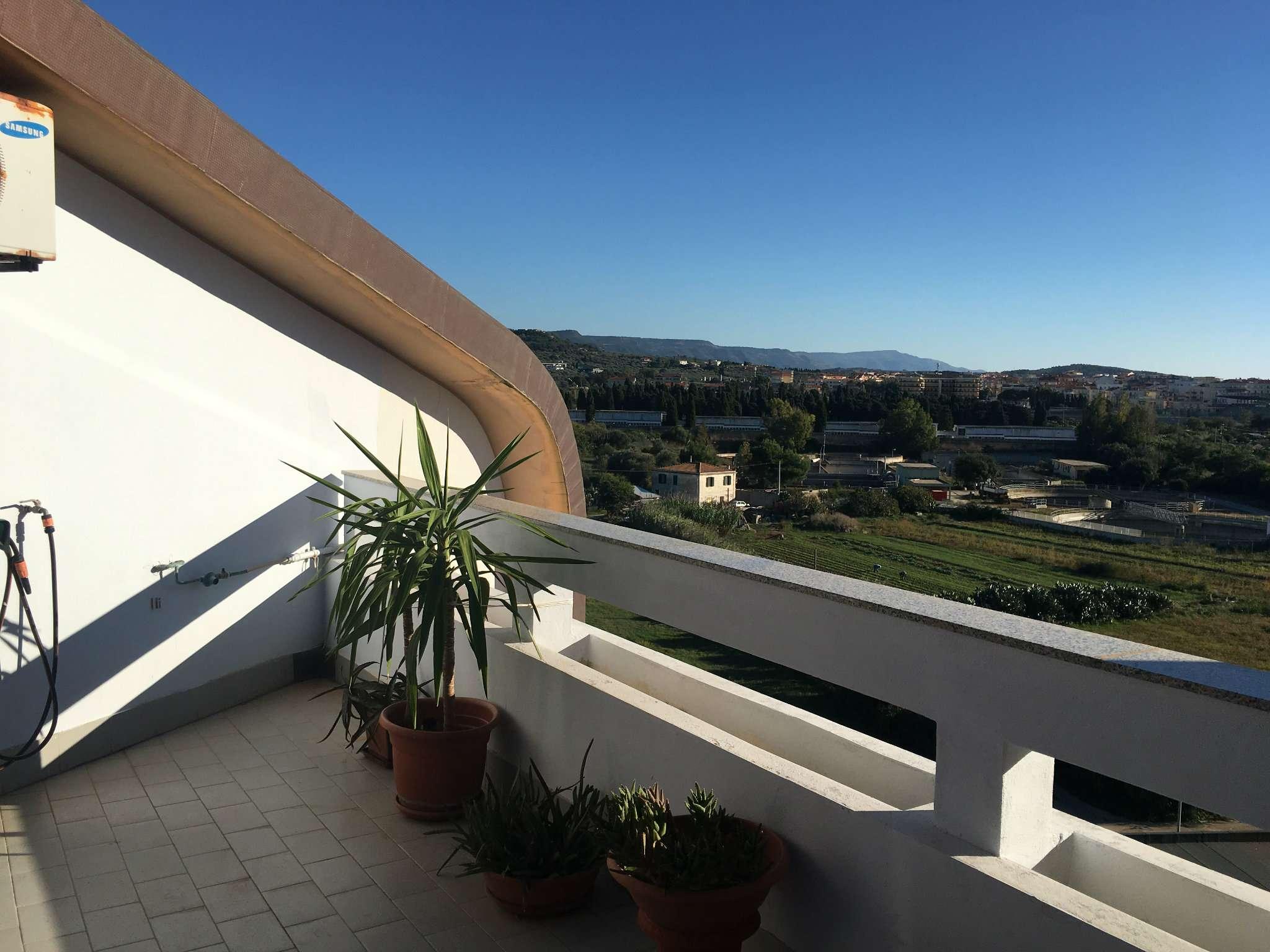 Attico / Mansarda in vendita a Alghero, 3 locali, prezzo € 159.000 | Cambio Casa.it
