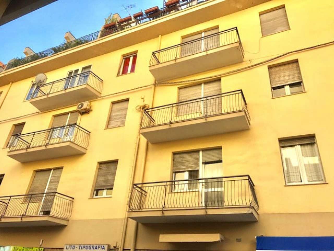 Appartamento in vendita a Sassari, 5 locali, prezzo € 180.000 | Cambio Casa.it