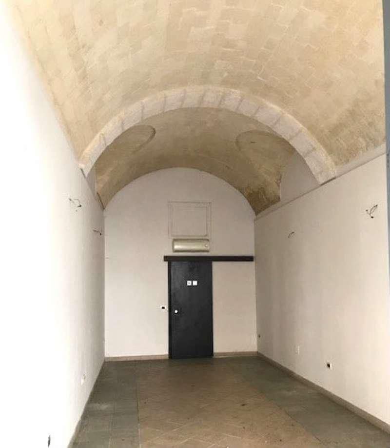 Negozio / Locale in affitto a Sassari, 2 locali, prezzo € 1.200 | CambioCasa.it