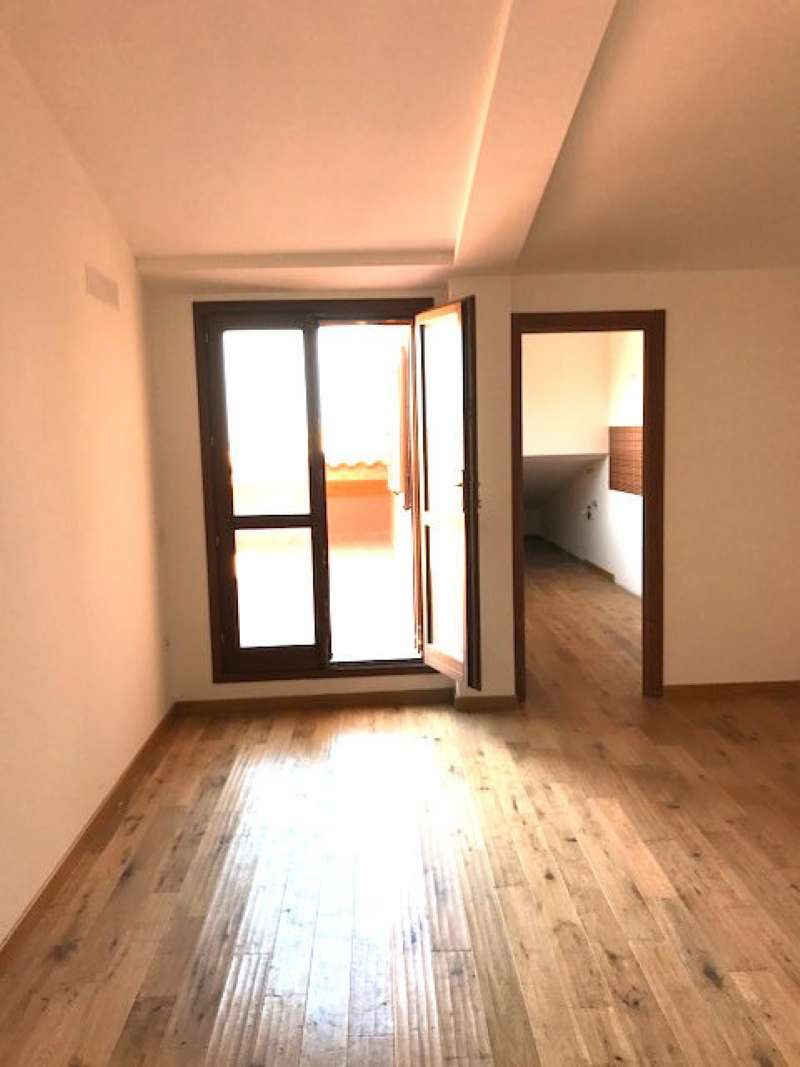 Appartamento in vendita a Sassari, 3 locali, prezzo € 125.000 | CambioCasa.it