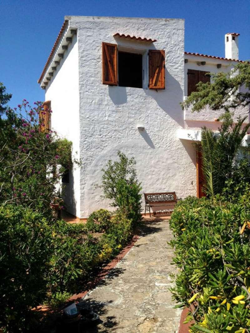 Villa in vendita a Sorso, 10 locali, prezzo € 395.000 | CambioCasa.it