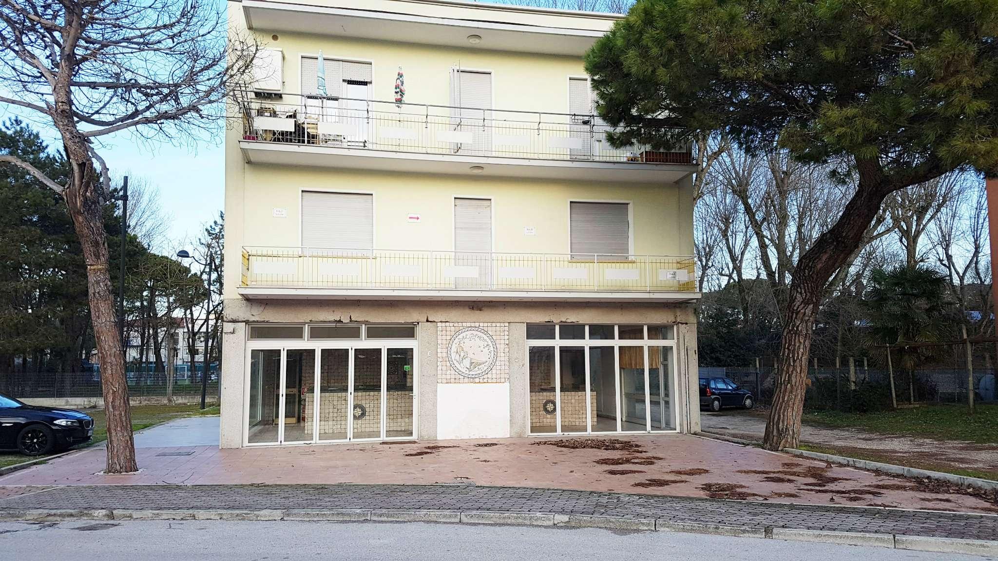 Negozio / Locale in affitto a Caorle, 3 locali, prezzo € 1.350 | CambioCasa.it