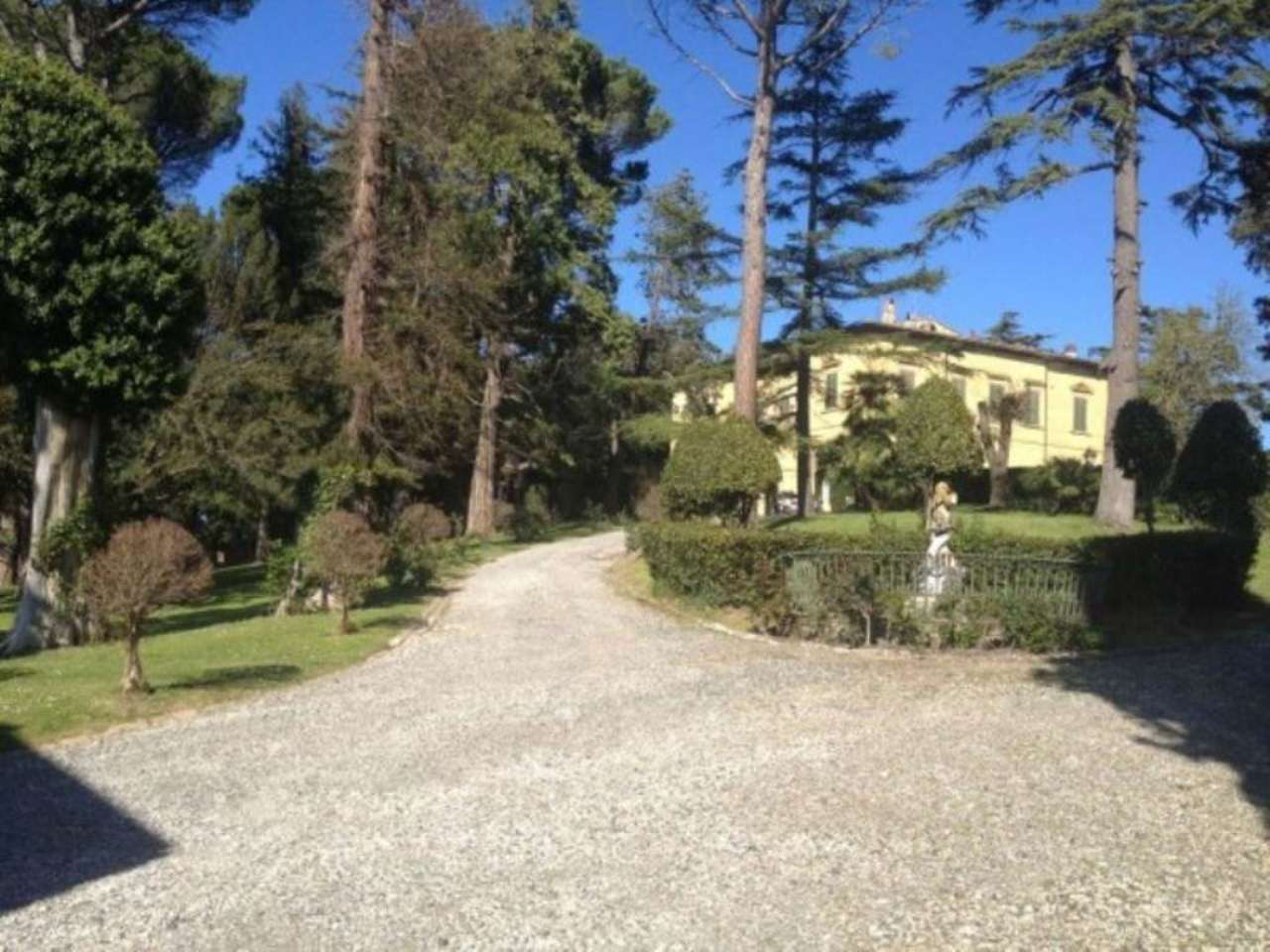 Villa piscina camera lorenzana in vendita waa2 for Casa di 700 metri quadrati in vendita