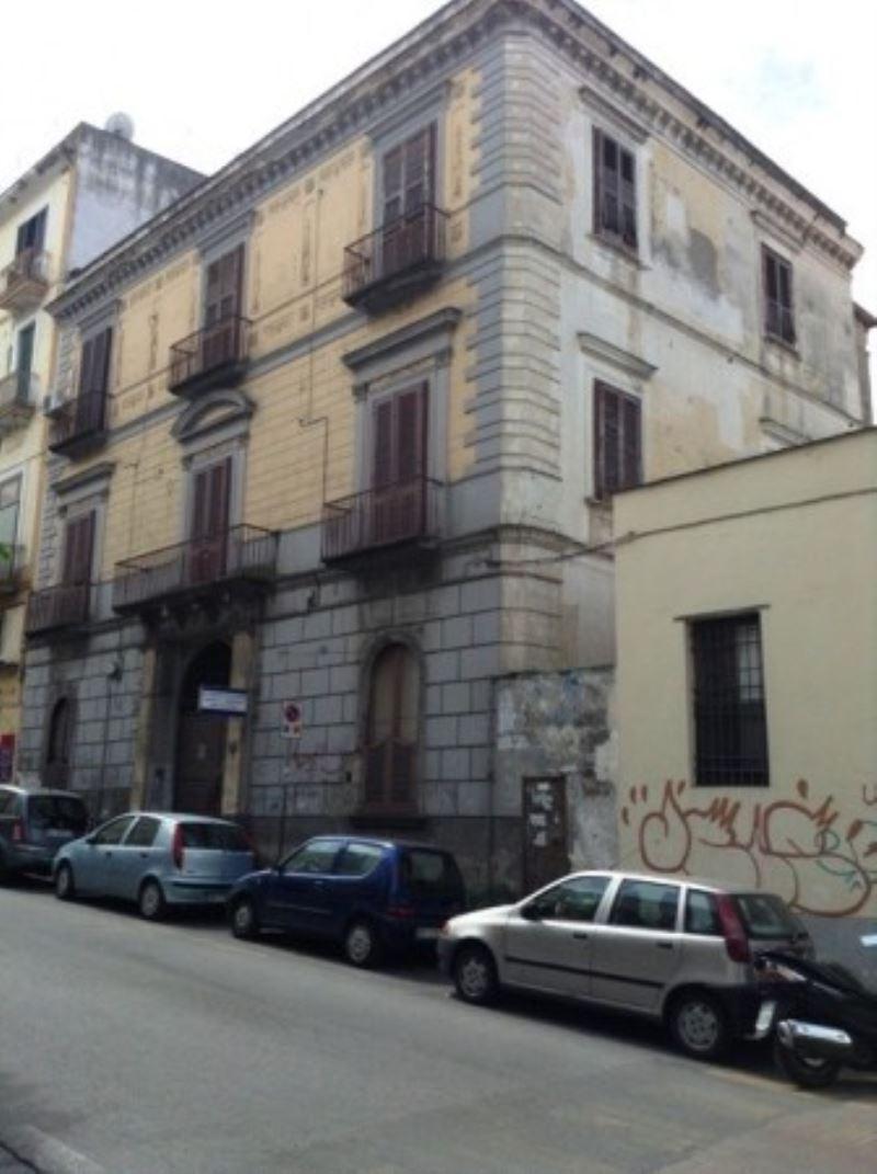 Appartamento in vendita a Torre del Greco, 3 locali, prezzo € 145.000 | Cambio Casa.it
