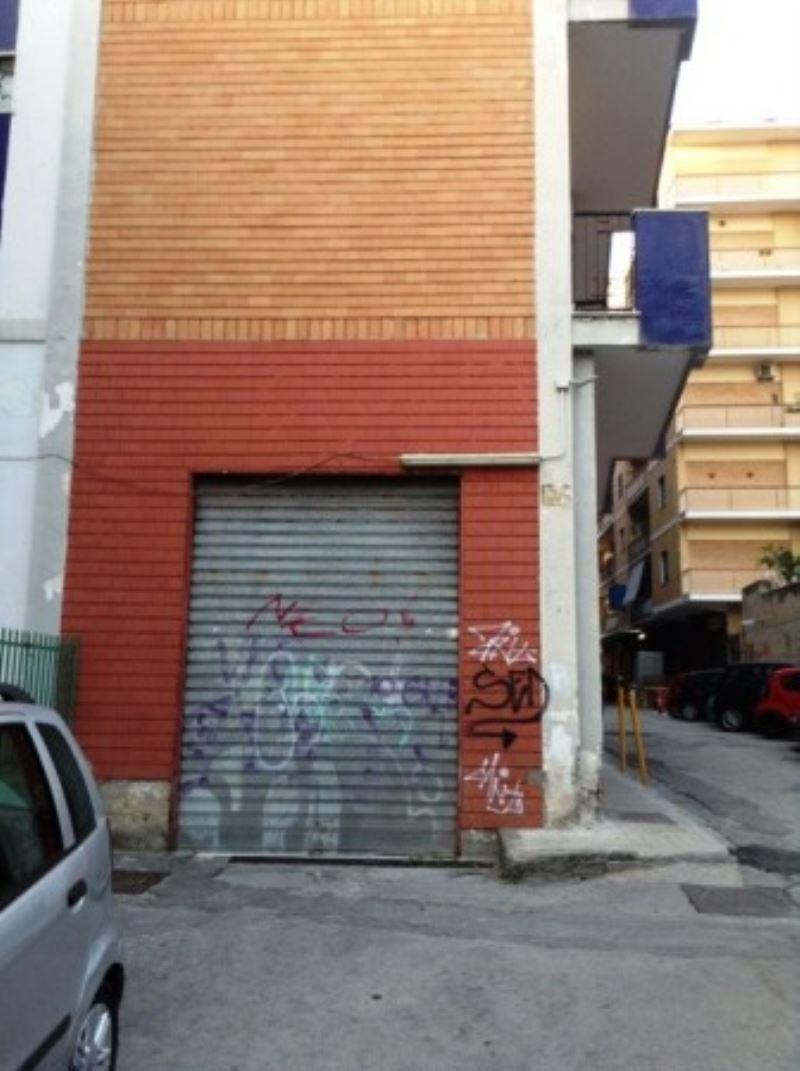 Negozio / Locale in affitto a Torre del Greco, 1 locali, prezzo € 3.000 | Cambio Casa.it