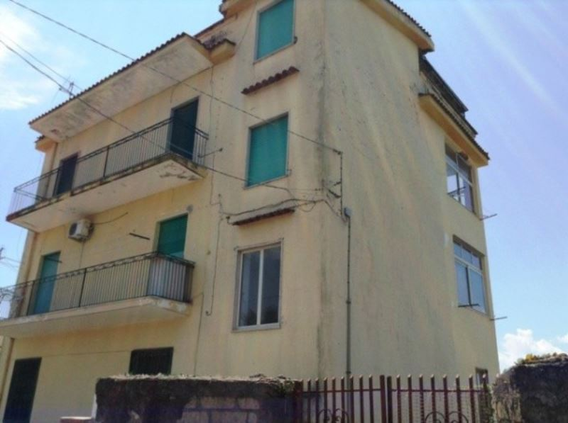 Box / Garage in vendita a Torre del Greco, 1 locali, prezzo € 18.000 | Cambio Casa.it
