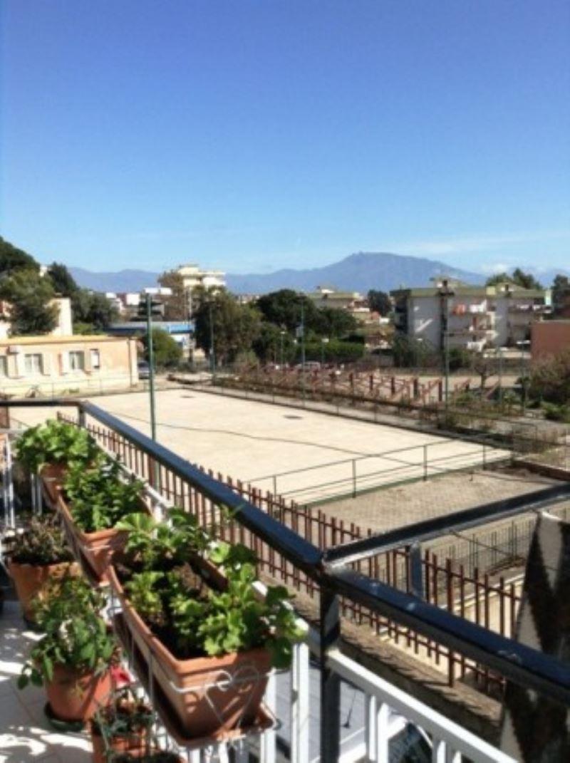Casa torre del greco appartamenti e case in vendita for Case in vendita torre del greco